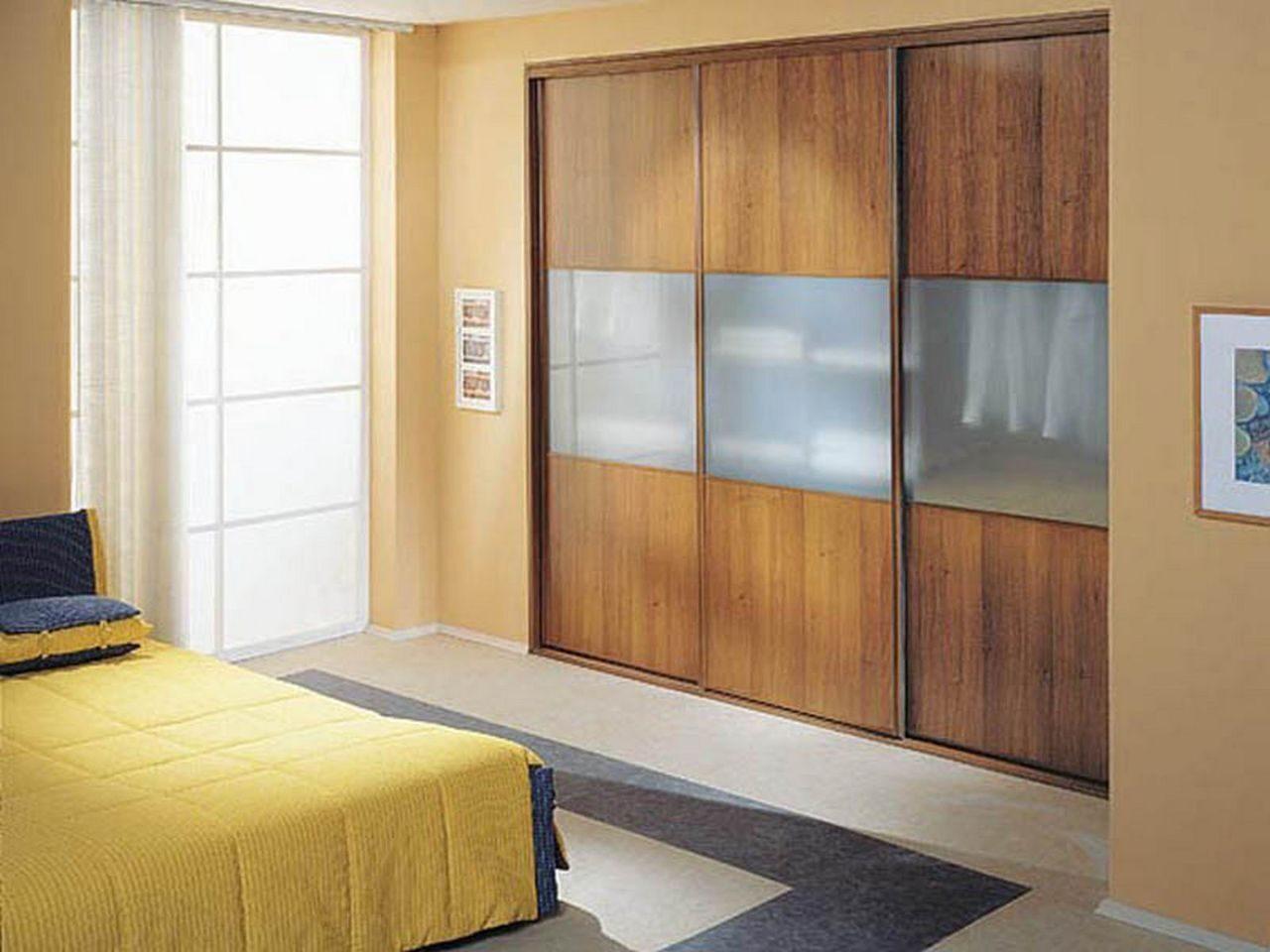 Шкаф встроенный в стену фото