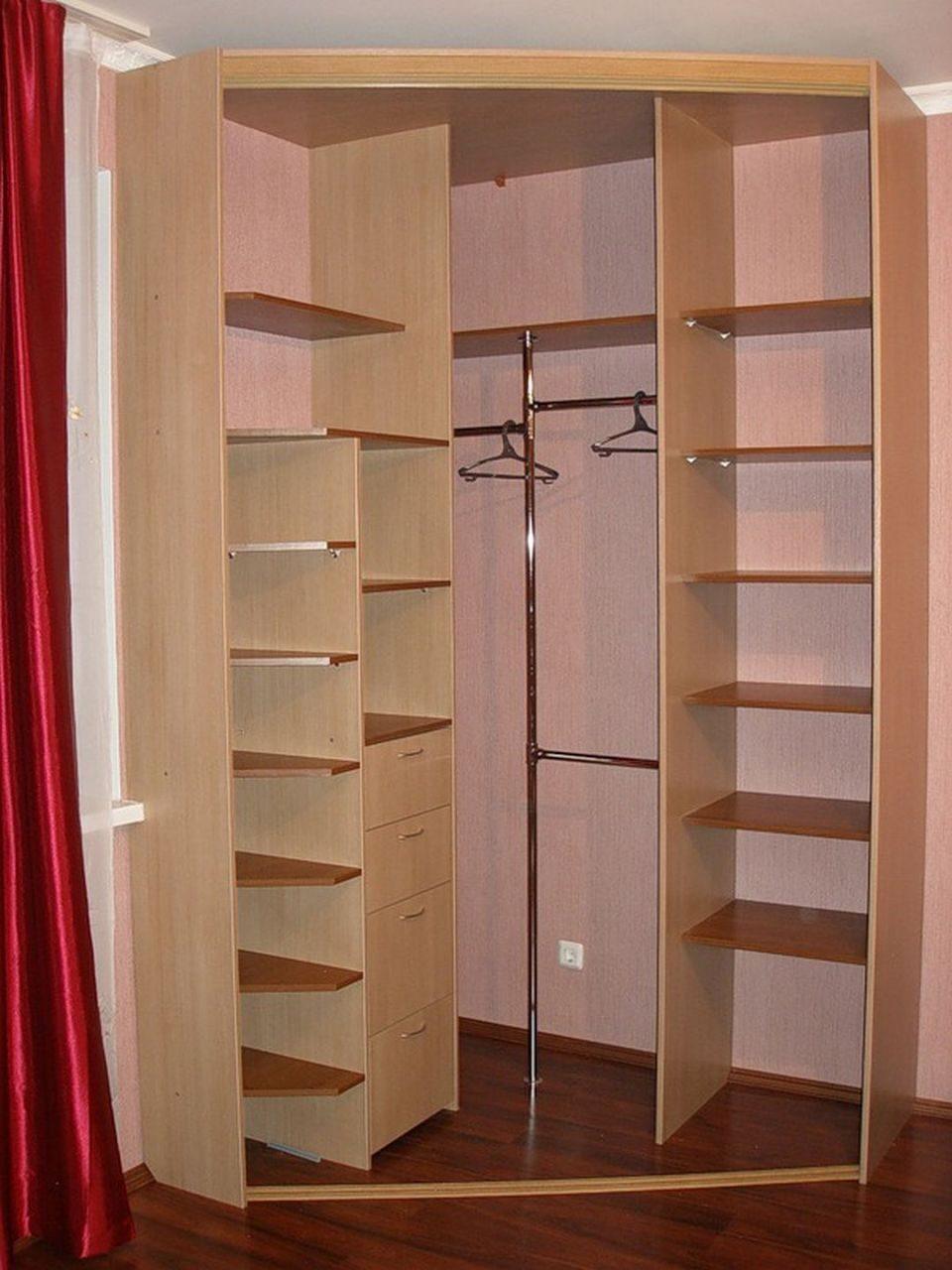Встроенный угловой шкаф фото.