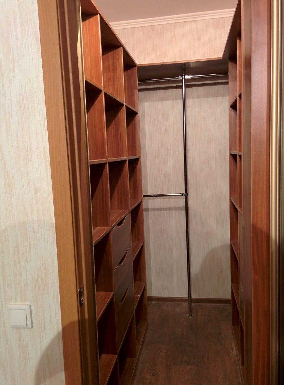 Гардеробные комнаты с каркасом из дсп.